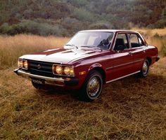 1974_Corona_Sedan
