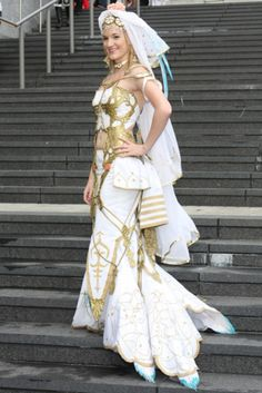 Princess Ashelia's wedding dress from Final Fantasy XII at Animazement 2011, in Raleigh, N.C.
