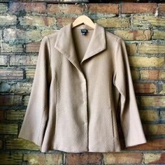 || EILEEN FISHER || tan lightweight snap button Timeless and high quality. Eileen fisher lasts forever when you take care of it. Three button front snap blazer jacket with pockets. Eileen Fisher Jackets & Coats Blazers