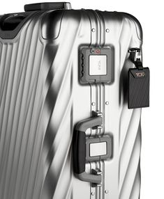 Discover recipes, home ideas, style inspiration and other ideas to try. Carry On Luggage, Travel Luggage, Luggage Bags, Travel Suitcases, Tumi, Hardside Luggage, Luggage Accessories, Color Plata, Short Trip