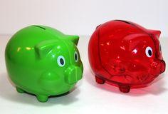 Marranitos - Alcancia en plástico Personalizable Compre en www.regaloscolombianos.com o solicite información a ventas@regaloscolombianos.com