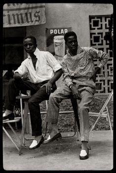 Jean Depara: Night fever in Kinshasa – Kin-the-joy, Kin-the-madness Black Boys, Black Men, Black And White, African Culture, African History, Afrique Art, Photo Vintage, Vintage Kids, Vintage Black Glamour
