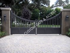 60 Best Driveway Gates Ideas, Different Types With Many Benefits - Enjoy Your Time Metal Driveway Gates, Front Gates, Entrance Gates, Farm Entrance, Driveway Entrance, Farm Gate, Fence Gate, Fences, Custom Gates