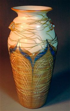 Durand pulled feather and threaded art glass vase, 3 applied lion's heads,
