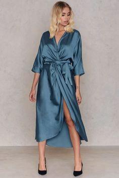 Bilderesultat for ava dress foggy blue Stylish Dresses, Cute Dresses, Buy Dress, Wrap Dress, Everyday Dresses, Ava, Dresses Online, Yellow, Blue