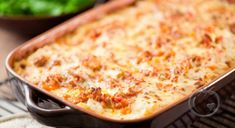 House of Chaos Spaghetti Pie recipe: The greatest thing about this recipe is you use what ever you have on hand, be creative! Baked Lasagna, Meat Lasagna, Spaghetti Pie Recipes, Sauce Béchamel, Bechamel Sauce, How To Cook Pasta, Casserole Dishes, Cooking Time, Macaroni And Cheese