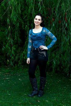 """You Will Not Escape"" - Vanessa Marano Vanessa Marano, Laura Marano, Switched At Birth Bay, Star Girl, Celebrity Outfits, Gilmore Girls, Alternative Fashion, Alternative Style, Celebs"