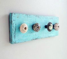 So many hat/coat hooks, yet so few to find in the shops Handmade Furniture, Modern Furniture, Jewellery Display, Shabby Vintage, Rustic Decor, Wood Crafts, Diy Home Decor, Upcycle, Easy Diy