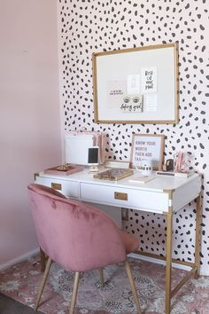 Look at our webpage for more with regard to this marvelous home office decor Velvet Office Chair, Black Office Chair, Mesh Office Chair, Office Chairs, Pink Velvet Chair, Gold Office, Office Walls, Bedroom Office, Home Office Space