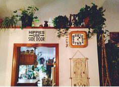 Hippies use side door ;)