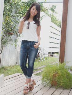 Beautiful Asian Girls, Beautiful Women, Asian Beauty, Skinny, Chic, Jeans, Sexy, Woman, Denim