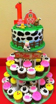 Farm Fresh Living ~ Farm cake with cow print round cake, barn topper and animal cupcakes Farm Animal Cakes, Farm Animal Party, Farm Animal Birthday, Animal Cupcakes, Farm Party, Cow Birthday Cake, Barnyard Party, Cow Cupcakes, Petting Zoo Birthday Party