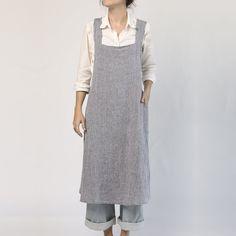 Linge Particulier Japanese Style Linen Apron - kitchen or workshop | Nannie Inez Linen Dress Pattern, Linen Apron Dress, Japanese Sewing Patterns, Dress Sewing Patterns, Pinafore Pattern, Japanese Apron, Sewing Aprons, Apron Designs, Workshop