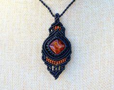Macrame Pendant, Macrame Necklace with Labradorite, Boho Necklace, Statement Necklace, Bohemian Macrame Jewelry Valentines Day Gift によく似た商品を Etsy で探す