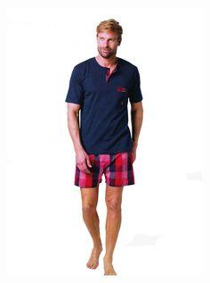 Pijama de verano de Guasch. Pijama para hombre en tonos azul marino y pantalón de tela en rojo. PVP: 45,65€. PX141 D548. ENVÍO 24/48 horas. http://www.varelaintimo.com/ #pijamas #menswear #mensunderwear