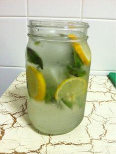 My Best Badi: Homemade Vitamin Water: Basil and Lemon Infusion Healthy Treats, Healthy Drinks, Healthy Life, Healthy Eating, Healthy Recipes, Clean Eating, Refreshing Drinks, Summer Drinks, Fun Drinks