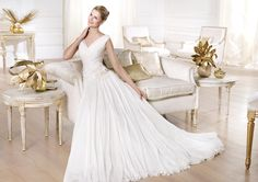 Pronovias presents the Yerma wedding dress. Atelier Pronovias 2014. | Pronovias
