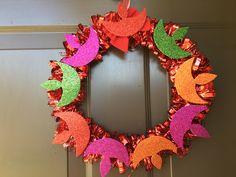 Best 12 Diya wreath for diwali – SkillOfKing. Diwali Party, Diwali Diy, Diwali Craft, Diwali Rangoli, Happy Diwali, Diwali Food, Diwali Decorations At Home, School Decorations, Festival Decorations