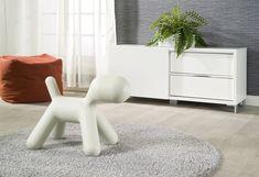 Puppy. Abstrakti muovinen koira. Design Eero Aarnio