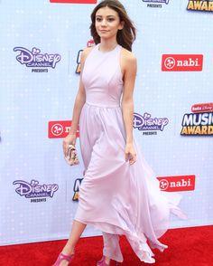 #tbt @ghannelius  struttin' in a beautiful lilac dress! ✨