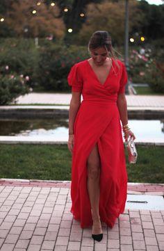 Vestido largo y rojo: apuesta segura para las bodas de invierno y las navidades   La Reina del Low Cost