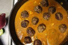 Indian Lamb-Meatballs. ett supergott recept på indiska köttbullar. (in Swedish) Servera med ris, yoghurt, papadum och lime. Ingredienser: 500 g lammfärs...