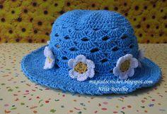 Magia do Crochet: Chapéus em crochet para menina Crochet Motifs, Knit Crochet, Crochet Patterns, Crochet Hats, Magia Do Crochet, Crochet Baby Beanie, Girl With Hat, Kids Hats, Summer Hats
