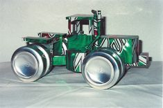 pop can tractor Aluminum Can Crafts, Metal Crafts, Pop Can Crafts, Fun Crafts, Beer Can Art, Coca Cola, Pop Can Art, Beer Crafts, Bottle Cap Art
