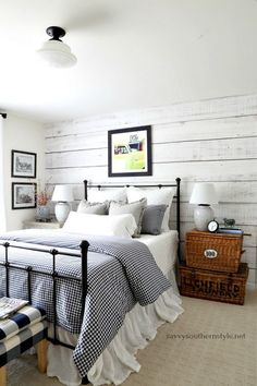 Savvy Southern Style : Gingham and Ticking Farmhouse Style Bedroom Without Spending a Dime Farmhouse Style Bedrooms, French Country Bedrooms, French Country Living Room, Farmhouse Bedroom Decor, Farmhouse Style Kitchen, Country Farmhouse Decor, Modern Farmhouse Kitchens, Cozy Bedroom, Cottage Bedrooms