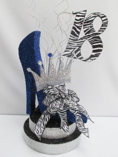 High Heel with Crown Centerpiece – Designs by Ginny Crown Centerpiece, Unique Centerpieces, Birthday Centerpieces, Table Centerpieces, Birthday Candles, Diva Party, Diamond Party, Denim And Diamonds, Quinceanera Party
