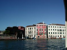 Palazzo Emo -- Grand Canal, Venice, Italy #travel #MuseumPlanet Great Places, Places To Go, Beautiful Places, Palazzo, Emo, Rome Florence, Grand Canal Venice, Reggio, Venice Italy