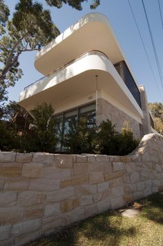 Deck in the Canopy House by Luigi Rosselli Architects