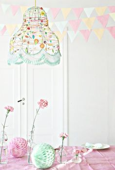 Love this pretty little lamp shade. It probably wouldn't be too difficult to wire wrap colorful beads on an old lamp shade frame then add some trim on the bottom. Old Lamp Shades, Modern Lamp Shades, Lamp Shade Frame, Rustic Lamps, Ideas Geniales, Wooden Lamp, Bedroom Lamps, Decoration Table, Pretty Pastel