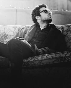 Sebastian Stan/His character Jefferson on Once Upon a Time KILLS ME. So tragic. So beautiful.
