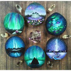 Creative Diy Ideas For Pebble Art Crafts! Seashell Painting, Pebble Painting, Pebble Art, Stone Painting, Painting On Wood, Rock Painting Patterns, Rock Painting Ideas Easy, Rock Painting Designs, Paint Ideas