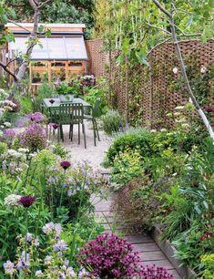 Small Cottage Garden Ideas, Cottage Garden Design, Small Garden Plans, Garden Show, Dream Garden, Small Gardens, Outdoor Gardens, Narrow Garden, Home Vegetable Garden