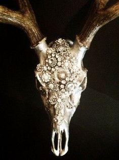 Finally a deer head worth mounting! Embellished deer skull by MolliePDesigns on Etsy. Deer Skull Decor, Painted Deer Skulls, Deer Head Decor, Cow Skull Art, Elk Skull, Carved Skulls, Skull Head, Hand Painted, Deer Antler Crafts