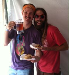 Boys and their #pizzabagels and beer!  #rachelspizzabagels #veganpizza #pizza #veganoktoberfest