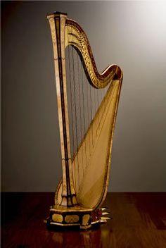 My dream girl.     Salvi Harps // The Arianna