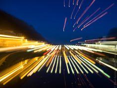 octobre 2017   décollage de lanternes célestes à 18H30  - à Châteaulin  - 31 octobre 2017   à  18H37 © Paul Kerrien https://en-photo.fr Finistère Bretagne MyFinistere