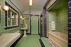 MI Flint Strong House bath