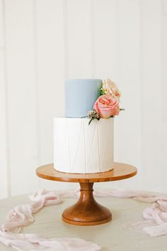 Replace a wedding cake topper with an accent tier (like this petite blue layer by Sugar Bee Sweets) for a contemporary twist on the classic cake element. Pastel Wedding Cakes, Wedding Cake Fresh Flowers, Beautiful Wedding Cakes, Beautiful Cakes, Pastel Weddings, Wedding Cake Rustic, Elegant Wedding Cakes, Wedding Cake Designs, Wedding Vows