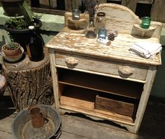 Vintage Farm style Chippy Washstand.