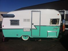Take a video tour and see the NEW 2015 Shasta Airflyte 16 in Butternut Yellow and Seafoam Green! Mount Comfort RV will have a limited number of these gorgeou. Retro Campers For Sale, Retro Rv, Cool Campers, Happy Campers, Retro Travel Trailers, Vintage Trailers, Camper Trailers, Shasta Trailer, Shasta Camper