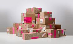 caramela_boxing: add fun to shipping boxes!