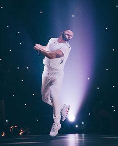 Drake Clothing, Drake Photos, Drake Wallpapers, Boujee Lifestyle, Drake Drizzy, Iconic Album Covers, Drake Graham, Aubrey Drake, Celebs