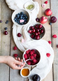 Vegan waffles with summer fruits - The Little Plantation Blog