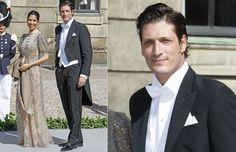 El hijo menor de Naty Abascal llegó a la capilla del Palacio Real de Estocolmo con una atractiva acompañante que llevaba un elaborado y original vestido en tono maquillaje con detalles plateados