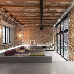 Aire industrial y ambiente acogedor Proyecto de @ffdw #estiloindustrial #arquitectura #microcemento #design #architecture #vivienda #loft #bestoftheday #habitissimo