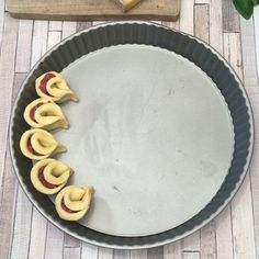 The little petals of the aperitif - My Videos - Pie Recipes Pie Recipes, Appetizer Recipes, Cooking Recipes, Appetizer Ideas, Tasty, Yummy Food, Snacks Für Party, Christmas Appetizers, Appetisers
